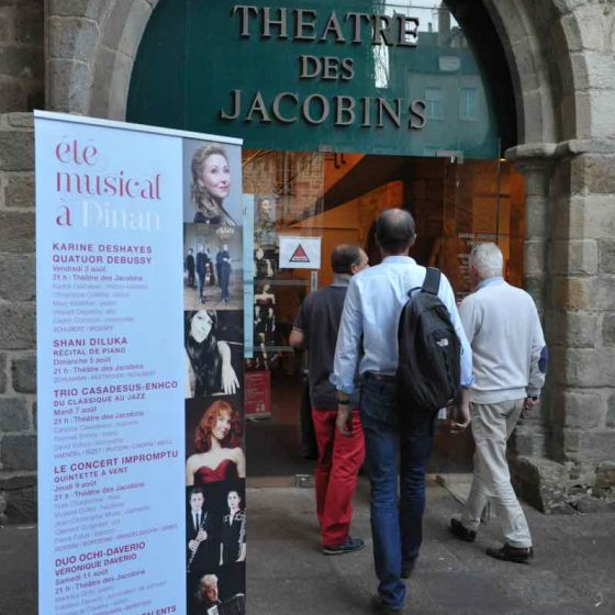 Theatre-des-Jacobins-1