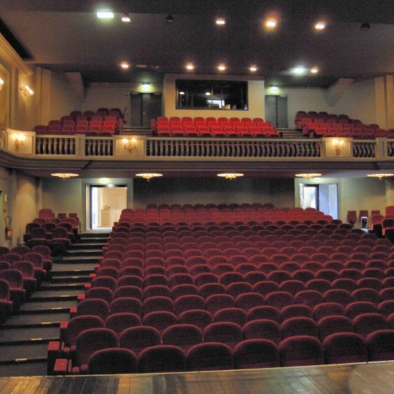 Theatre-des-Jacobins-3